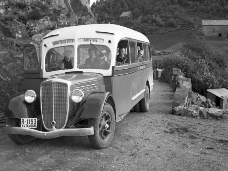Rutebilen Brattholmen/Møvik ca 1935
